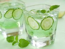 Orzeźwiająca lemoniada ogórkowa: napój na lato