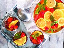 Poncz z owocami sezonowymi: przepis