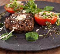 Antrykot wołowy z pieczonymi pomidorami [DORADCA SMAKU]