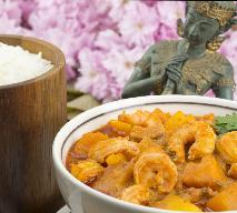 Curry z dynią, krewetkami i mlekiem kokosowym [przepis]