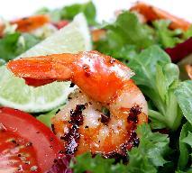 Sałatka z awokado i krewetek - przepis na romantyczną kolację