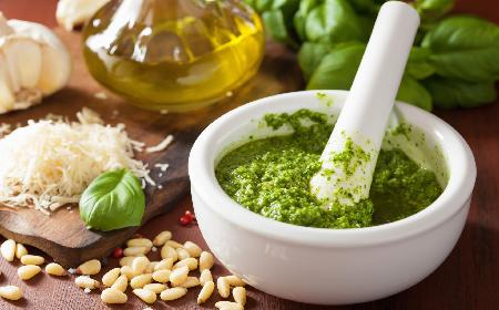 Pasta serowa ze świeżymi ziołami: łatwy przepis