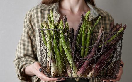 Szparagi - 30 przepisów na szparagi