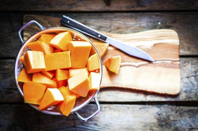 Marynowana dynia z cukrem i goździkami: przepis na pikle z dyni