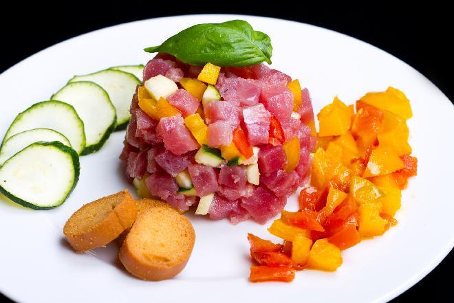 Tatar z tuńczyka z cytrusową nutą: przepis