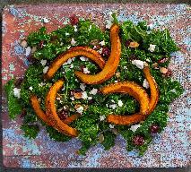 Sałatka z pieczoną dynią, jarmużem i serem feta