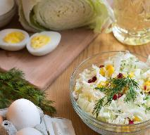 Dietetyczna sałatka z kapusty pekińskiej i jajek: sprawdzony pożeracz tłuszczu