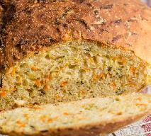 Zdrowy i pyszny chleb z marchewką i cukinią: przepis bez drożdży