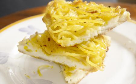 Oszczędne makaronowe placki z resztek spaghetti