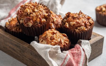 Pyszne muffinki z orzechami i chałwą - prosty przepis