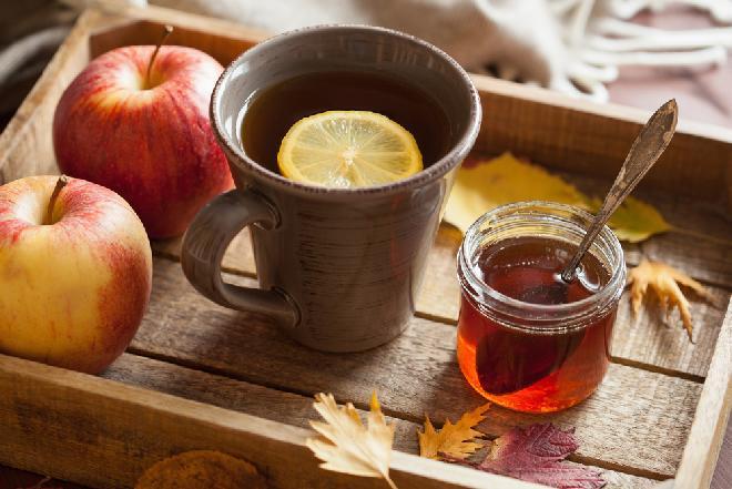 Jesienna herbata jabłkowa: smaczna i zdrowa herbata na rozgrzewkę