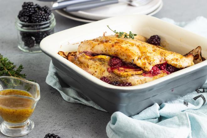 Pieczona pierś kurczaka nadziewana jabłkami: idealny jesienny obiad odświętny