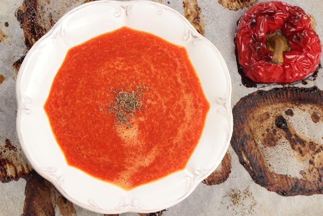 Kremowa zupa z pieczonej papryki i kalafiora